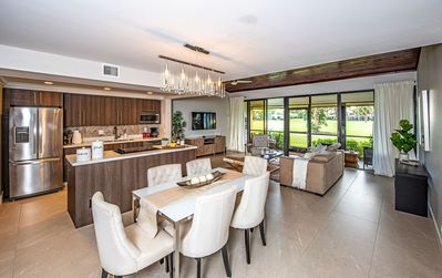 PGA National Luxurious 3BR-3BA House with Golf Course View