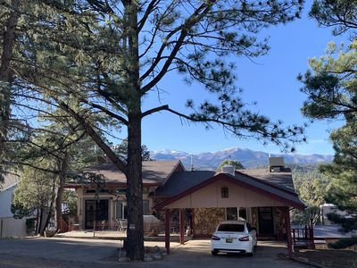 Photo for Beautiful updated cabin with open living concept that comfortably sleeps 10!