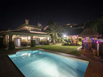 Photo for Cubo's Villa Los Agaves. Sauna, Jacuzzi, Wifi, air conditioning, private pool.