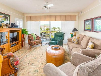 Photo for Luxurious Oceanfront Condominium, Plenty of Room for Family and Friends!