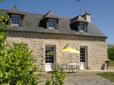 Photo for Holiday home in quiet location, with garden, 15min from beaches of Brittany