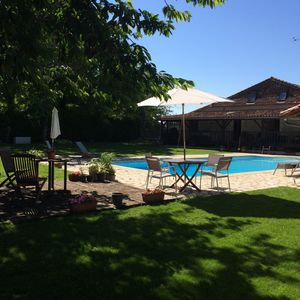 Photo for Walking distance to Aubeterre with its array of restaurants,shops,river beach