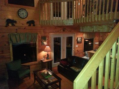Real Log Cabin 2 Bedroom, 2 Full Bath, Full Kitchen Close To All Attractions.