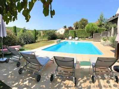 Photo for Gite Carnac-Rouffiac, 5 bedrooms, 10 persons