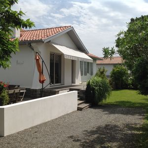 Photo for Charming villa in Anglet, quiet with garden and parking.
