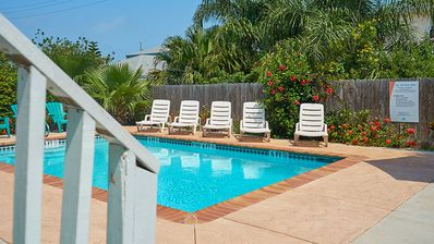 Casa Caracol C - Awesome 2 Bedroom Condo, Walk to the Beach, WiFi- PadreVacation