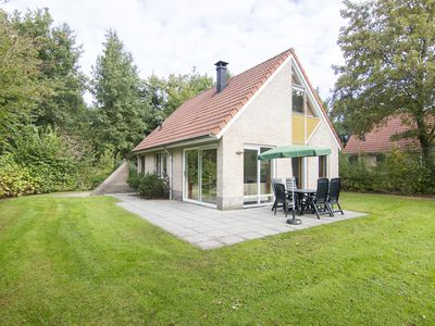 Photo for 6-person bungalow in the holiday park Landal Het Land van Bartje - in the woods/woodland setting