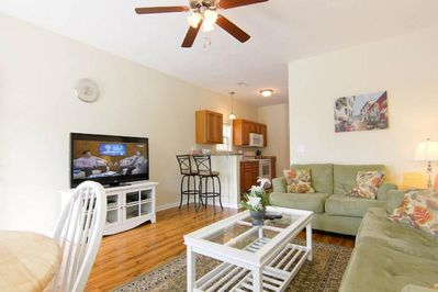 Living Room with 50' HDTV, Standard Cable, High Speed Wi-Fi Kitchen with Bar Cou