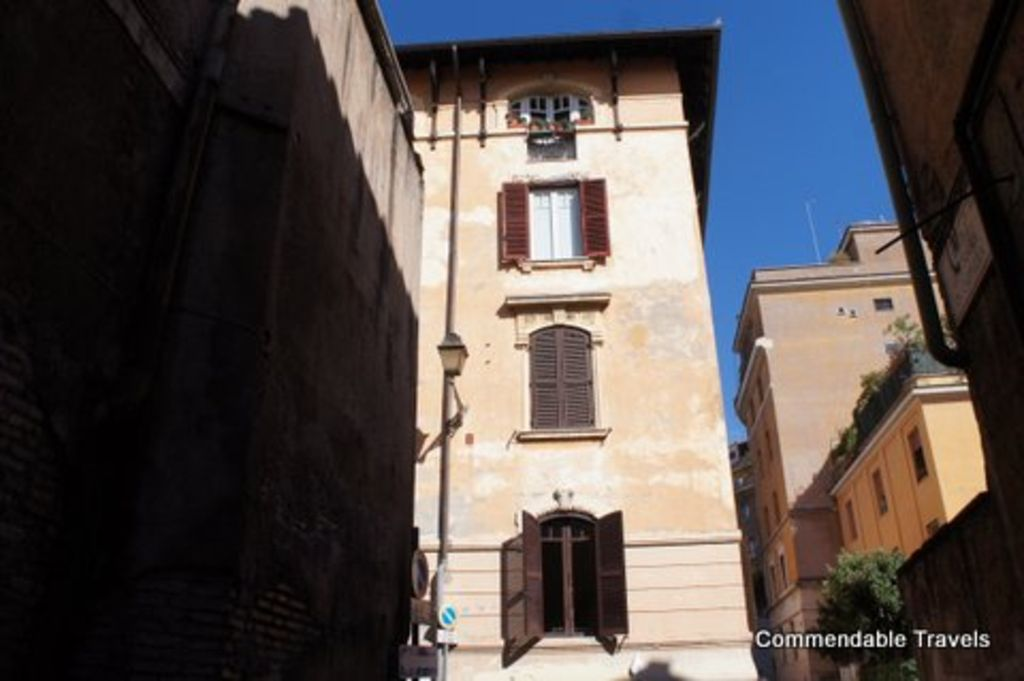 Rome with a garden delightful 1 bedroom apartment with private trastevere condo rental the apartment from the outside sciox Gallery
