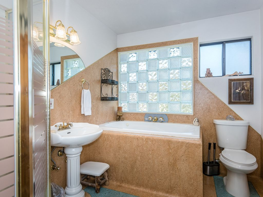 Victorian Farmhouse With Western Memorabilia Fourth Bathroom In Upstairs 1 Bedroom Jetted Tub And Shower