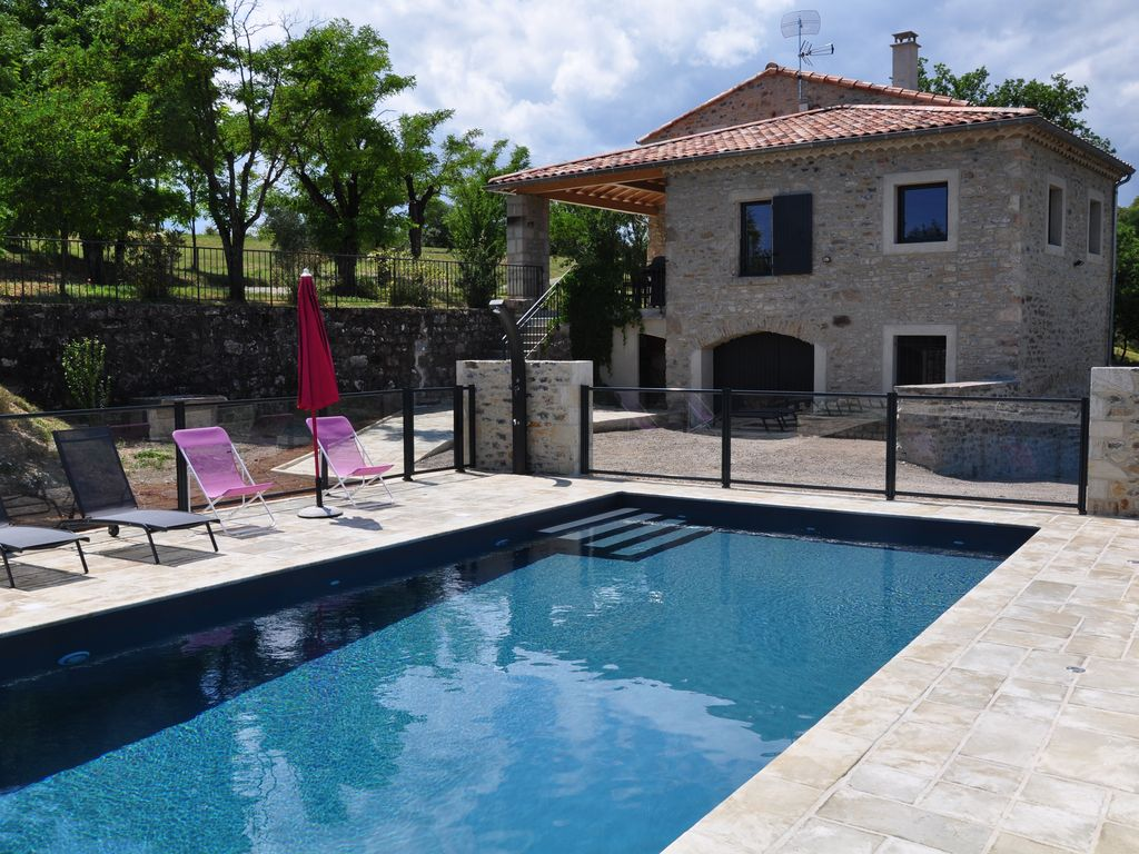 South Ardeche Cottage 4 For 12 People On Independent Plot Of 20 000m Vinezac
