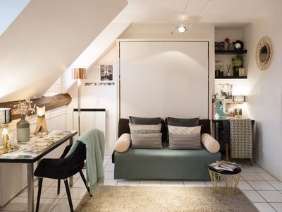 Studio with a nice view of Paris - luxury building in the heart of the Marais