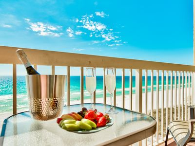 "Photo for Right on the beach w/ direct gulf views! Renovated! 50"" Smart TV! Week discount!"