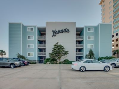 Photo for Spacious 2 bedroom, 2 bath direct oceanfront condo.