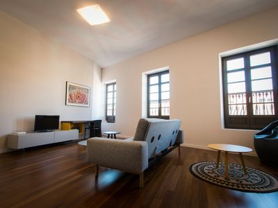 Photo for Magnificent 2 bedroom apartment in the center of Malaga inspired by the American