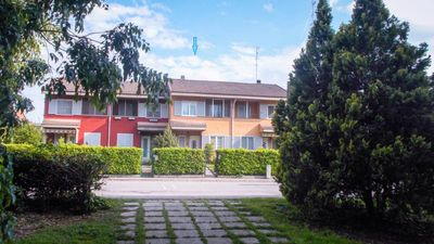Photo for Elegant House / Villetta - Quiet & comfort just 7 minutes away from Milan