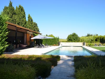 Photo for Old farmhouse in the heart of the Alpilles