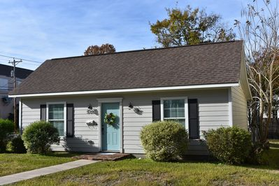 Charming bungalow just blocks from Historic Downtown Brenham, TX!