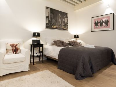 Photo for Comfortable suite apartment, perfect for a couple, situated close to Dam Square and Central Station