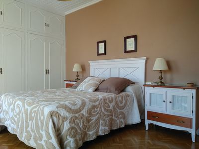 Photo for Charming Central Attic. Apt Complete 7 P. Terrace. 15 m. walk Port and beach