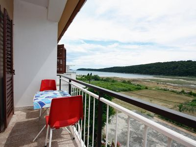 Photo for Two bedroom apartment with terrace and sea view Kampor (Rab)
