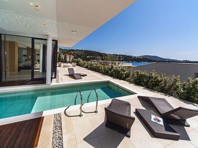 Photo for House 474 m from the center of Primošten with Internet, Pool, Air conditioning, Parking (740173)