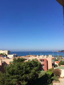 Photo for Pleasant and spacious T2 with sea view balcony, parking, beach 250m, while walking
