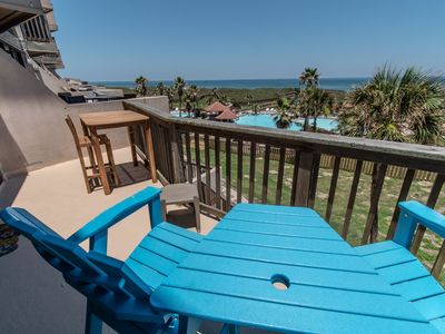 Newly Remodeled Two Bedroom Split Level With Panoramic Ocean Views