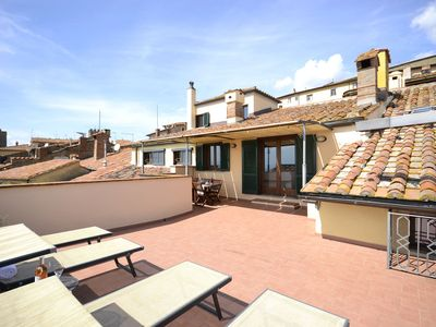 Photo for Cosy apartment for 4 guests with WIFI, A/C, TV, terrace, pets allowed and panoramic view