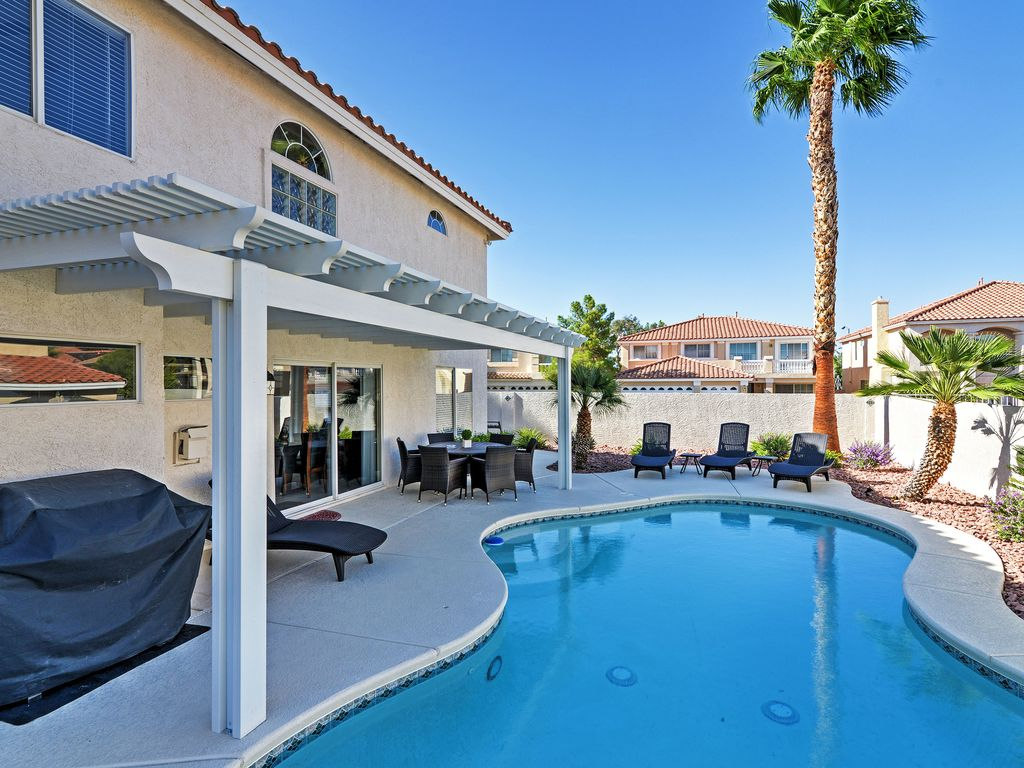 5br las vegas house w private heated pool henderson for Home for sale in las vegas with pool