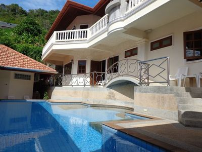 Photo for Spacious 2-bedroom apartment near Karon
