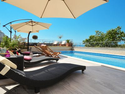 Photo for Apartment for 6-8 people, with large pool, comfortable and modern