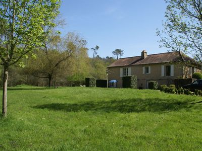 Photo for Characteristic house near Villefranche-du-Périgord (5 km) with round private swimming pool
