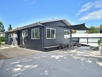 The property was in very close promixity to the beach (a hop,...