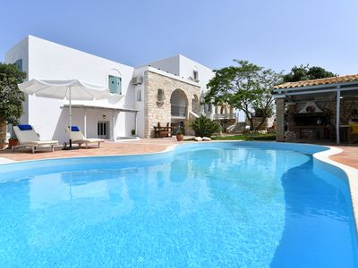 Photo for Close to the beach, quiet posιtion, common pool, family, friendly, brand new