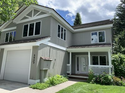 Photo for Townhome 3 Bedrooms, 3.5 Baths. Comfortably Sleeps 6