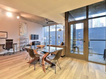 Stunning & Private 1BR Urban Flat Suite in @DTLA