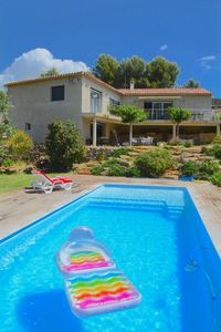 Photo for beautiful T2 in villa with pool in Cadière