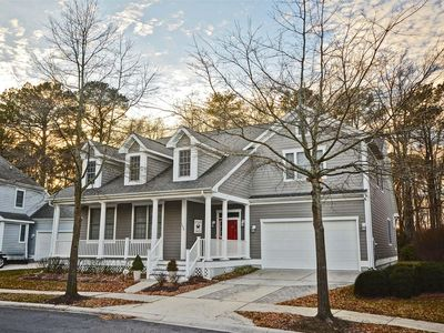 Photo for Stunning 6 bedroom 3.5 bath home in Golf Course Community