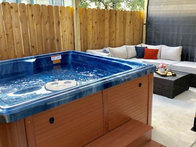 Photo for *SANITIZED* RIVERWALK/ALAMODOME TOWNHOME - WITH HOT TUB! 1 MILE TO RIVERWALK