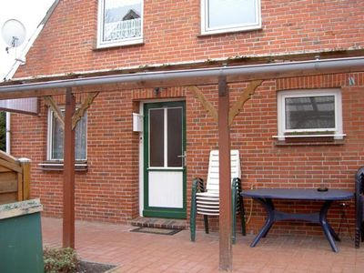 Photo for Holiday apartment Krummhörn for 2 - 3 persons with 1 bedroom - Holiday apartment in a two family hou