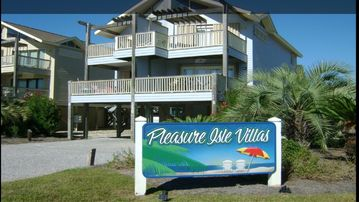 Pleasure Isle Villas, Gulf Shores, AL, USA
