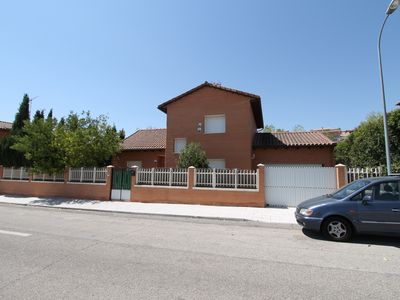 Photo for CASA DEL VALLE CLOSE TO THE WARNER PARK Madrid