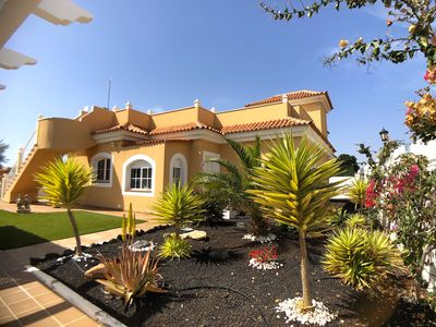 Photo for 3 bedroom villa on the Golf Course with jacuzzi in Caleta de Fuste