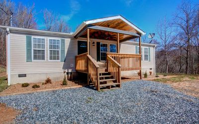 Photo for Reed Holler: Private cabin, Hot Tub and Fire Pit!  Close to rafting, Marshall & Mars Hill / Asheville