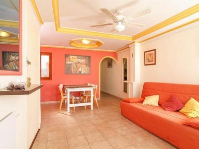 """Photo for Apartment a short walk away (181 m) from the """"Playa de Santa Amalia"""" in Fuengirola with Air conditioning, Terrace, Washing machine (646023)"""