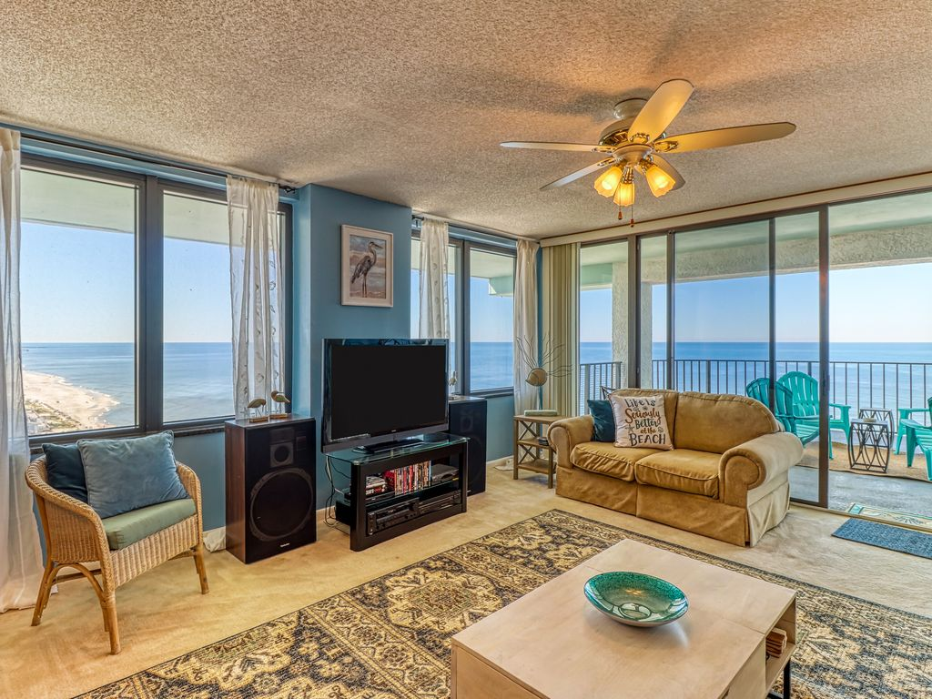 Awe Inspiring Two Bedroom Condo W Sofa Bed Private Balcony Pool Tub Biltmore Beach Dailytribune Chair Design For Home Dailytribuneorg