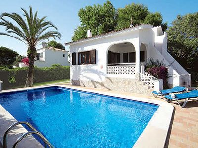 Photo for Lovely Villa w/pool, BBQ, free a/c, and many modern facilities