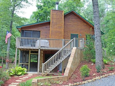 Gorgeous and Private Cabin nestled in the woods; beautiful landscaping!