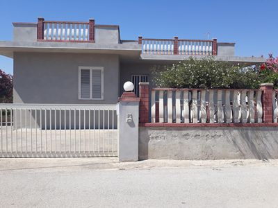 Photo for Detached house 400 meters from the sea, rent weekly.